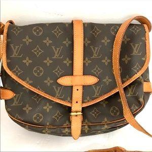 Authentic Louis Vuitton Saumur 30 messenger bag